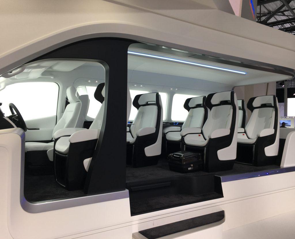 トヨタ車体が目指す快適な移動空間のシートレイアウト