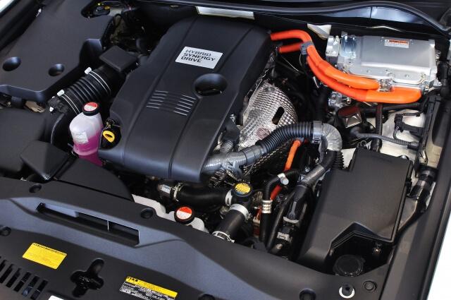 ハイブリッドのエンジン